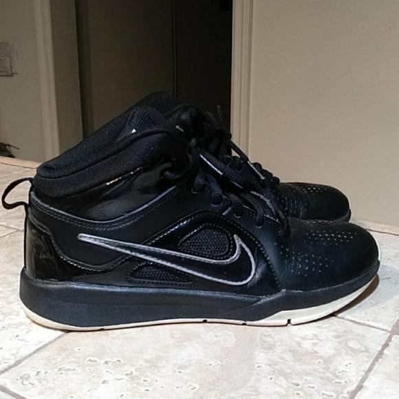 Nike Shoes   Boys High Top Tennis